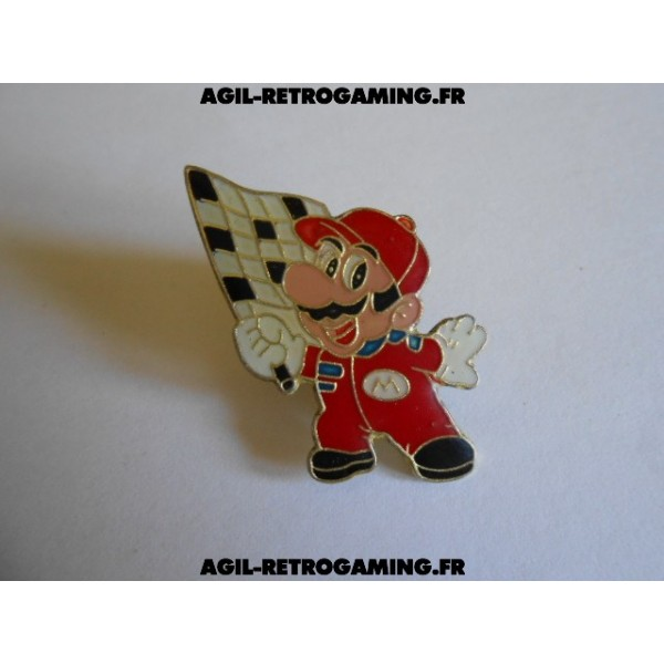 Pin's Mario Bros et son drapeau