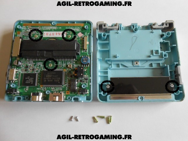 Démonter console GBA SP