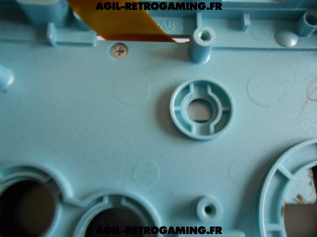 démonter intégralement console GBA SP